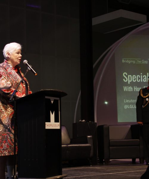 Image of Hon. Elizabeth Dowdeswell, Governor General of Ontario speaking at a podium
